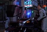 Сцена из фильма Робокоп 3 / RoboCop 3 (1993) Робот-полицейский 3