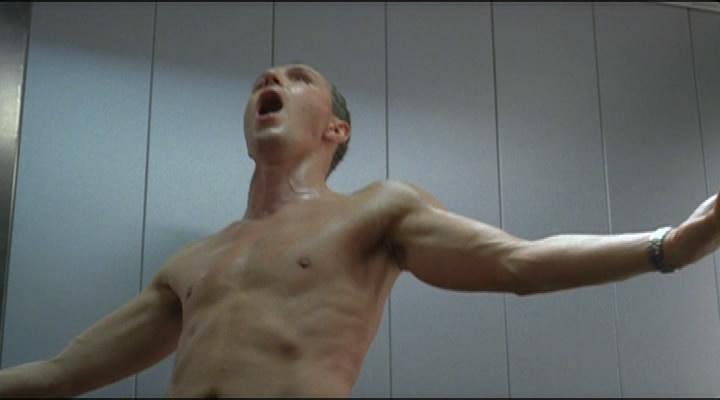 Сексуальная сцена из фильма лифт